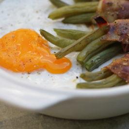 Letni obiad – czyli fasolka szparagowa z boczkiem i jajkiem sadzonym