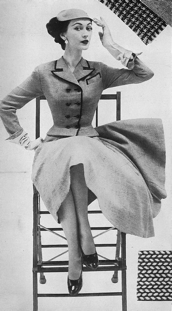 Dovima, January Harper's Bazaar 1952