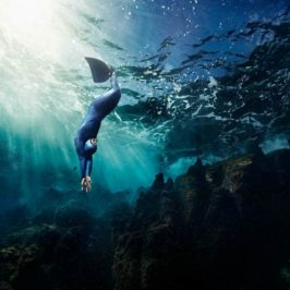 Stunning portraits of freediver by Ian Derry