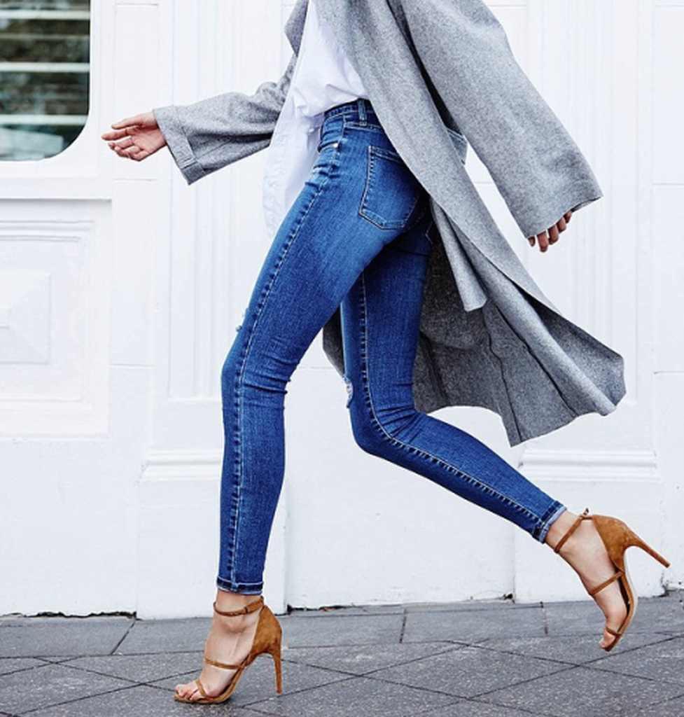 Девушки на лабутенах и в джинсах фото