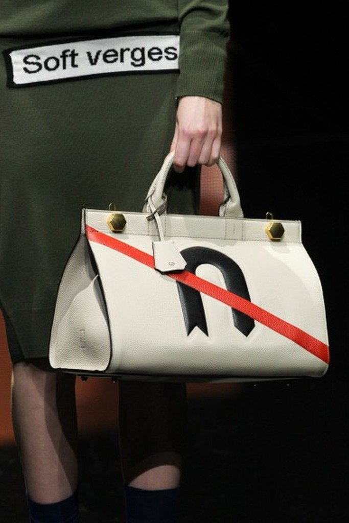 Anya Hindmarch Fall 2015 07