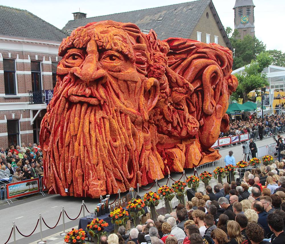flower parade Netherlands 11
